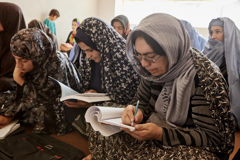 Inequalities_Afghanistan_Herat-literacy-course_20160719_Afghanistan_WVI_0103.jpg