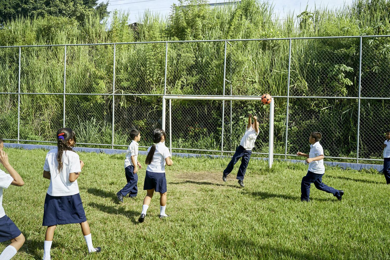 Inequalities_El_Salvador_Santa-Carlota-1-School&Community_20120101_El_Salvador_DSC04749.jpg