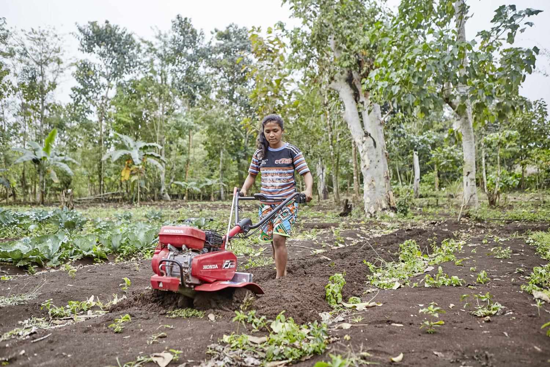 Inequalities_Indonesia_Young-Women-Economic-Empowerment_2016-07-15_Indonesia_20160715_0029.jpg