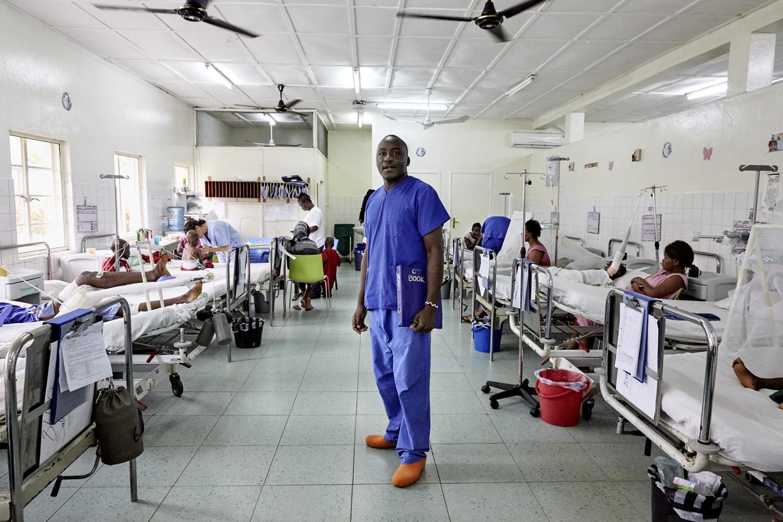Health_Sierra_Leone_Emergency-hospital_20160720_SierraEMERGENCY_CC_0291.jpg