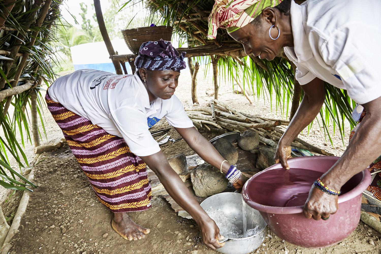 Poverty_reduction_Sierra_Leone_OXFAM_Water_20160719_SierraLeone_OXFAM_CC_8916.jpg
