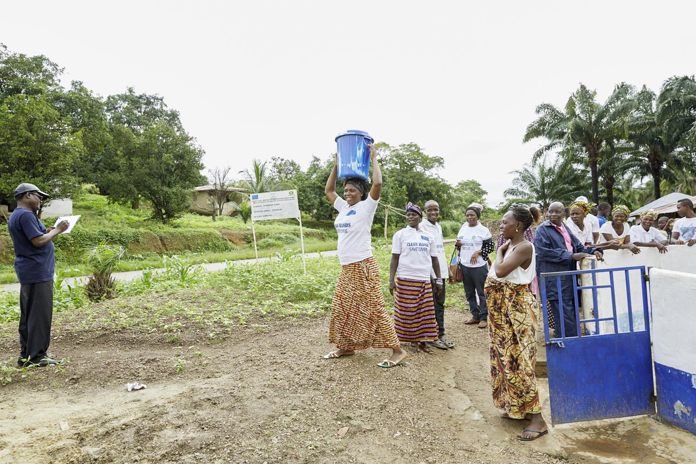 Poverty_reduction_Sierra_Leone_OXFAM_Water_20160719_SierraLeone_OXFAM_CC_8989.jpg