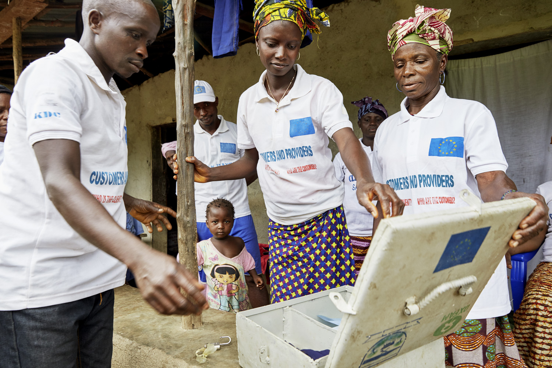 Poverty_reduction_Sierra_Leone_OXFAM_Water_20160719_SierraLeone_OXFAM_CC_9031.jpg