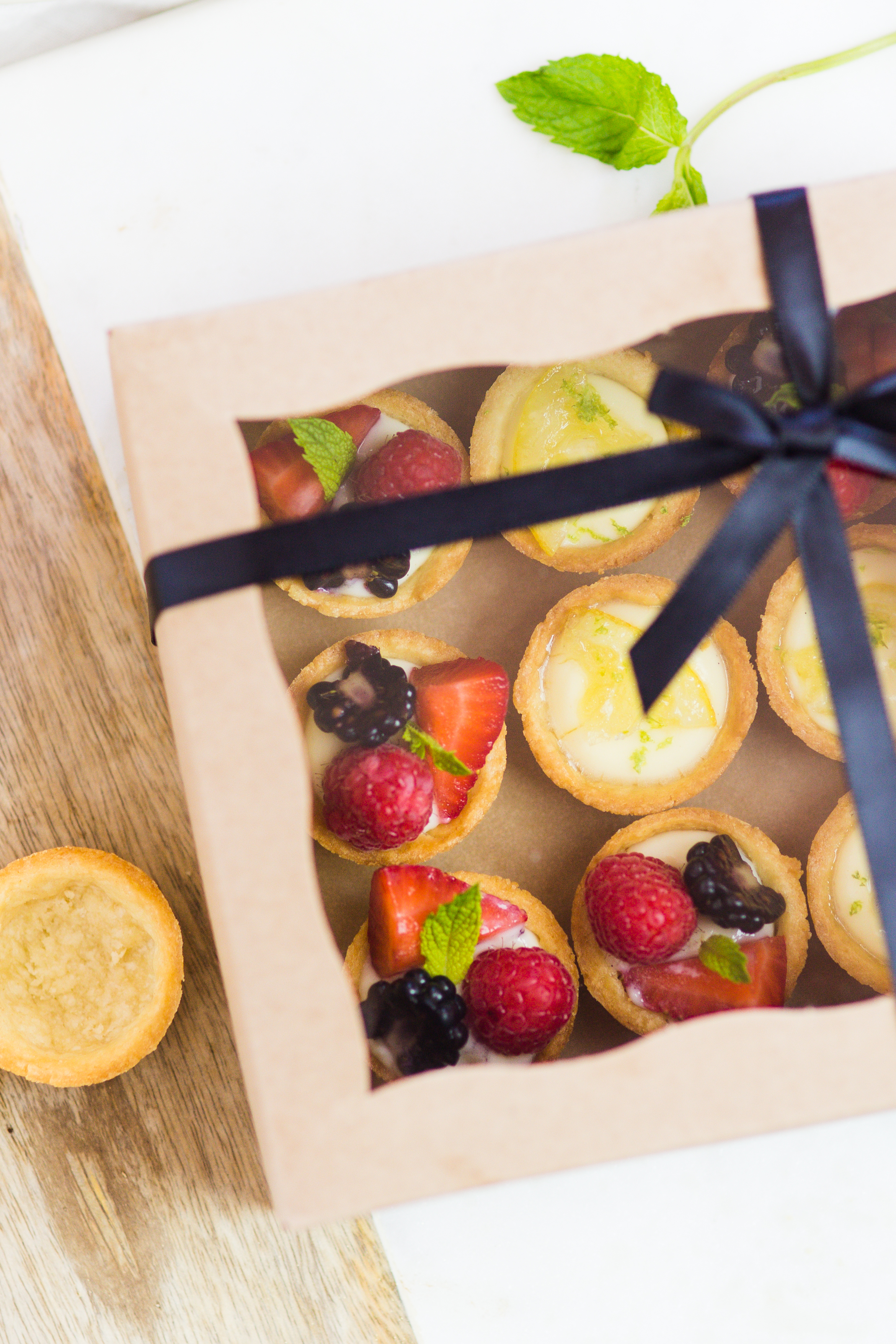 Assorted Mini Fruit Tart by Peggy's Kitchen