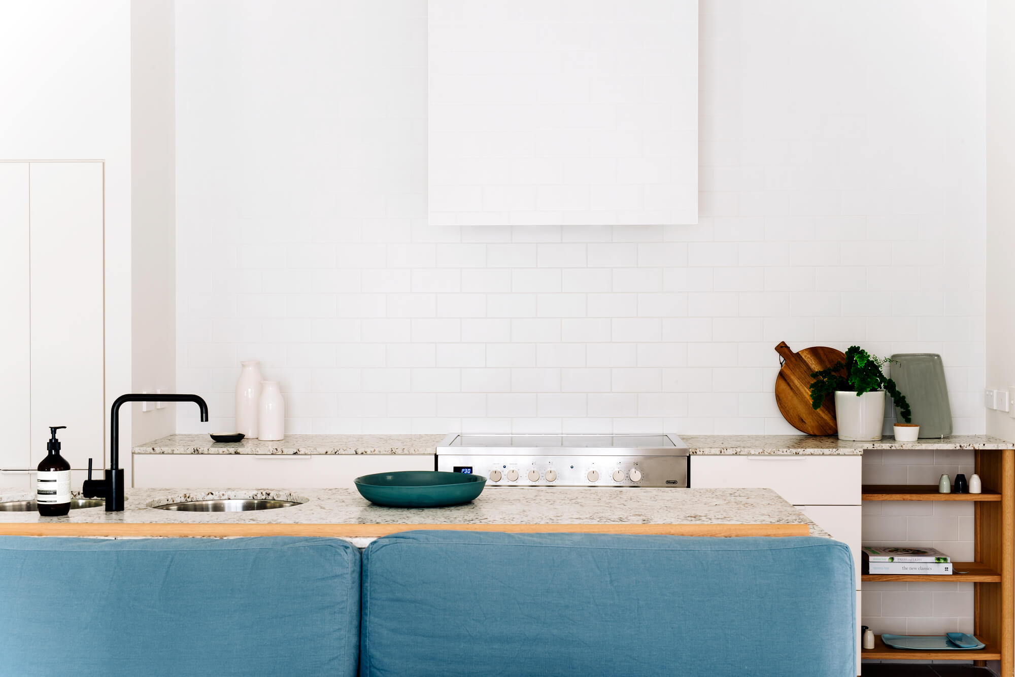 georgia-cannon-interior-designer-brisbane-project-r1-kitchen-6927.jpg