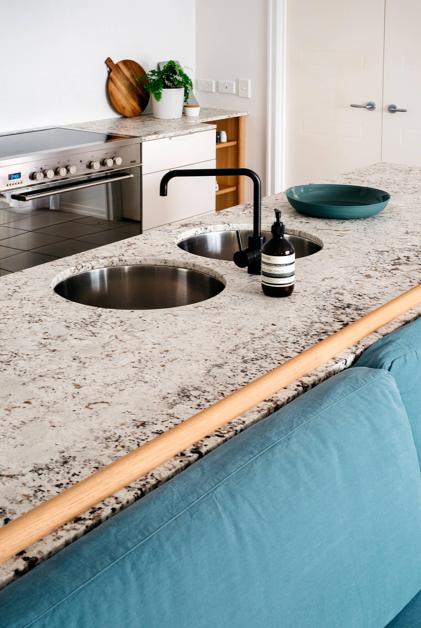 georgia-cannon-interior-designer-brisbane-project-r1-kitchen-7013.jpg
