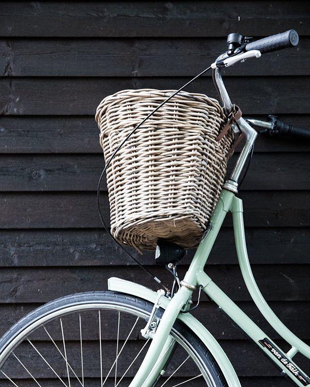 """Flinke og glade kunder i går, som havde cyklet en """"lille tur"""" på 1 time og 20 minutter i varmen. Så imponerende!"""