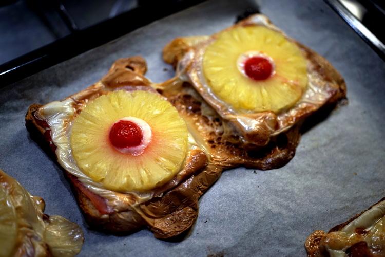 More Toast? - Toast Hawaii
