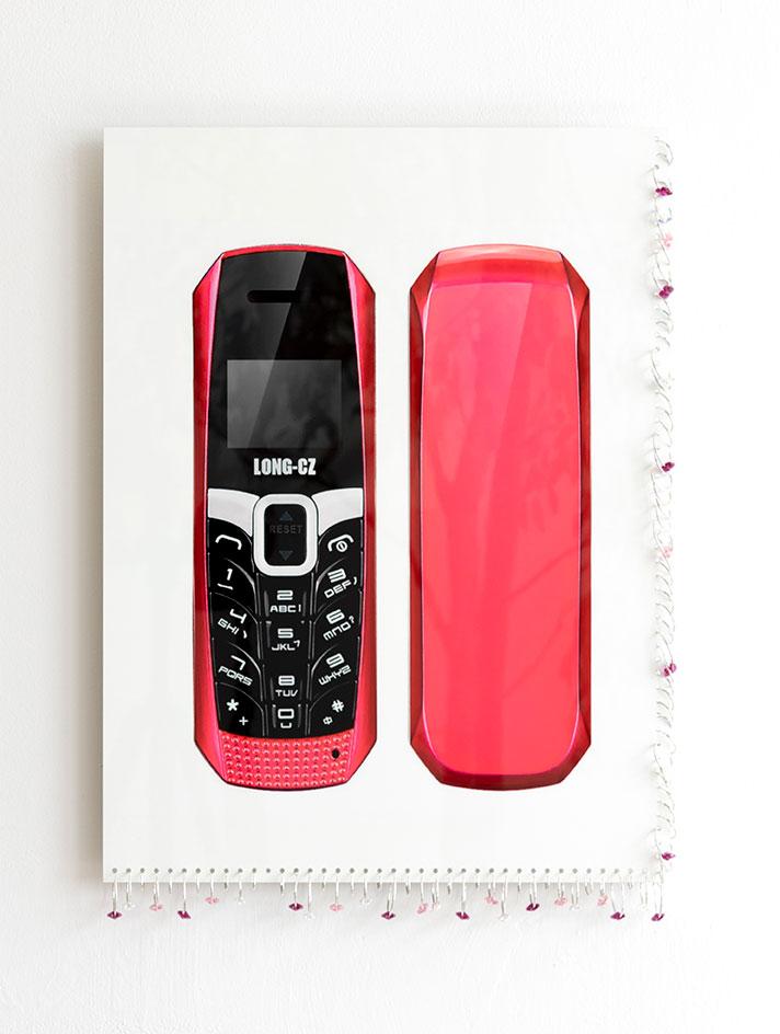 03_AALA_Cecilia-Salama_CZ-Phone.jpg