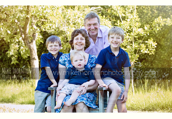 outside natural light family photography