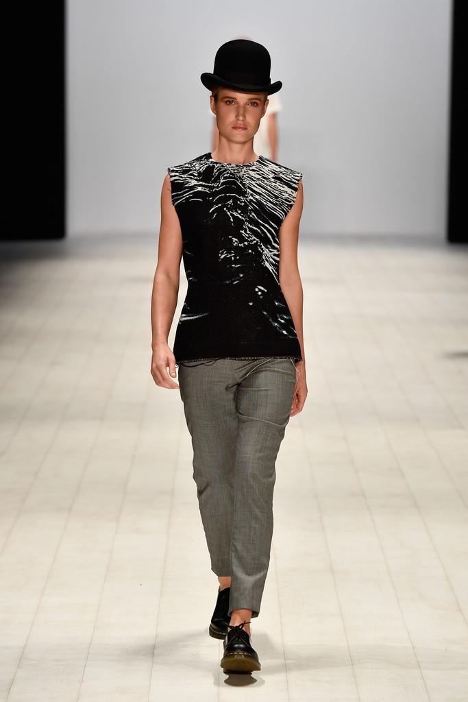 Innovators+Fashion+Design+Studio+Runway+Mercedes+1f7Ef61XEpUx.jpg