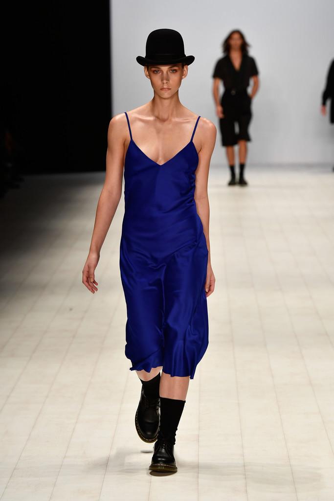Innovators+Fashion+Design+Studio+Runway+Mercedes+56Il4wxHLEZx.jpg