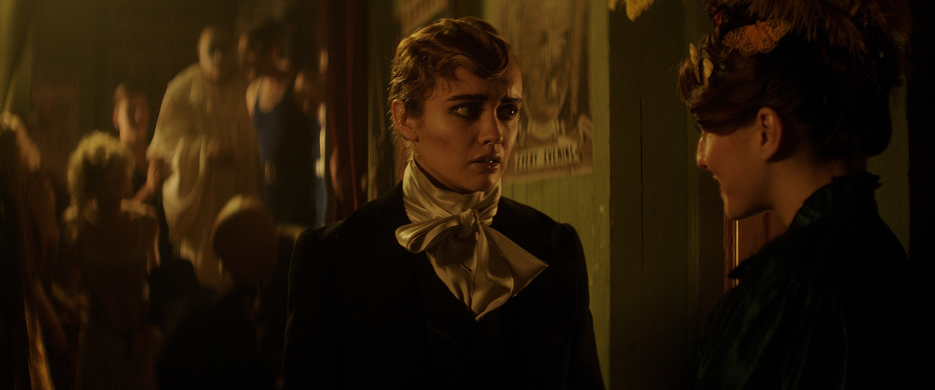 THE LIMEHOUSE GOLEM    View Gallery  ~  Watch Trailer & Clips