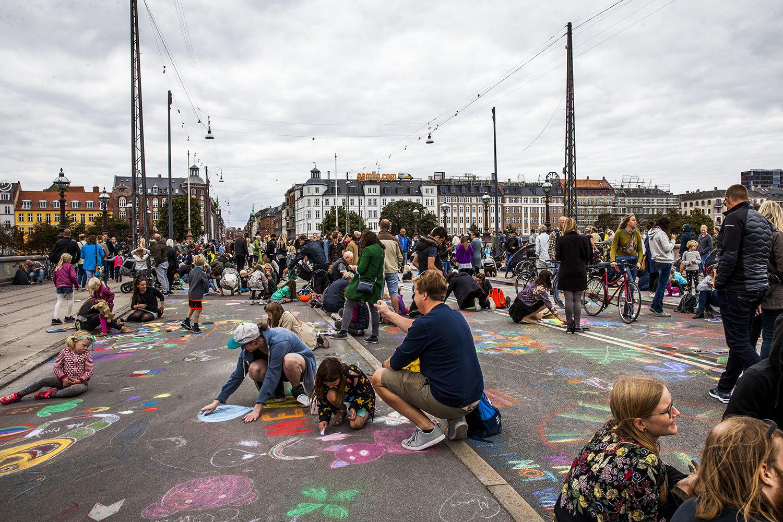 Copenhagen carfree chalk painting day