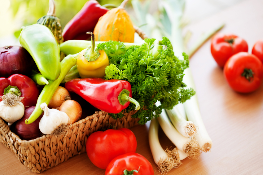 DIGESTIVEHEALTH-Healthy-eating-for-people-w-food-allergies_iStock_000014341028Small4.png