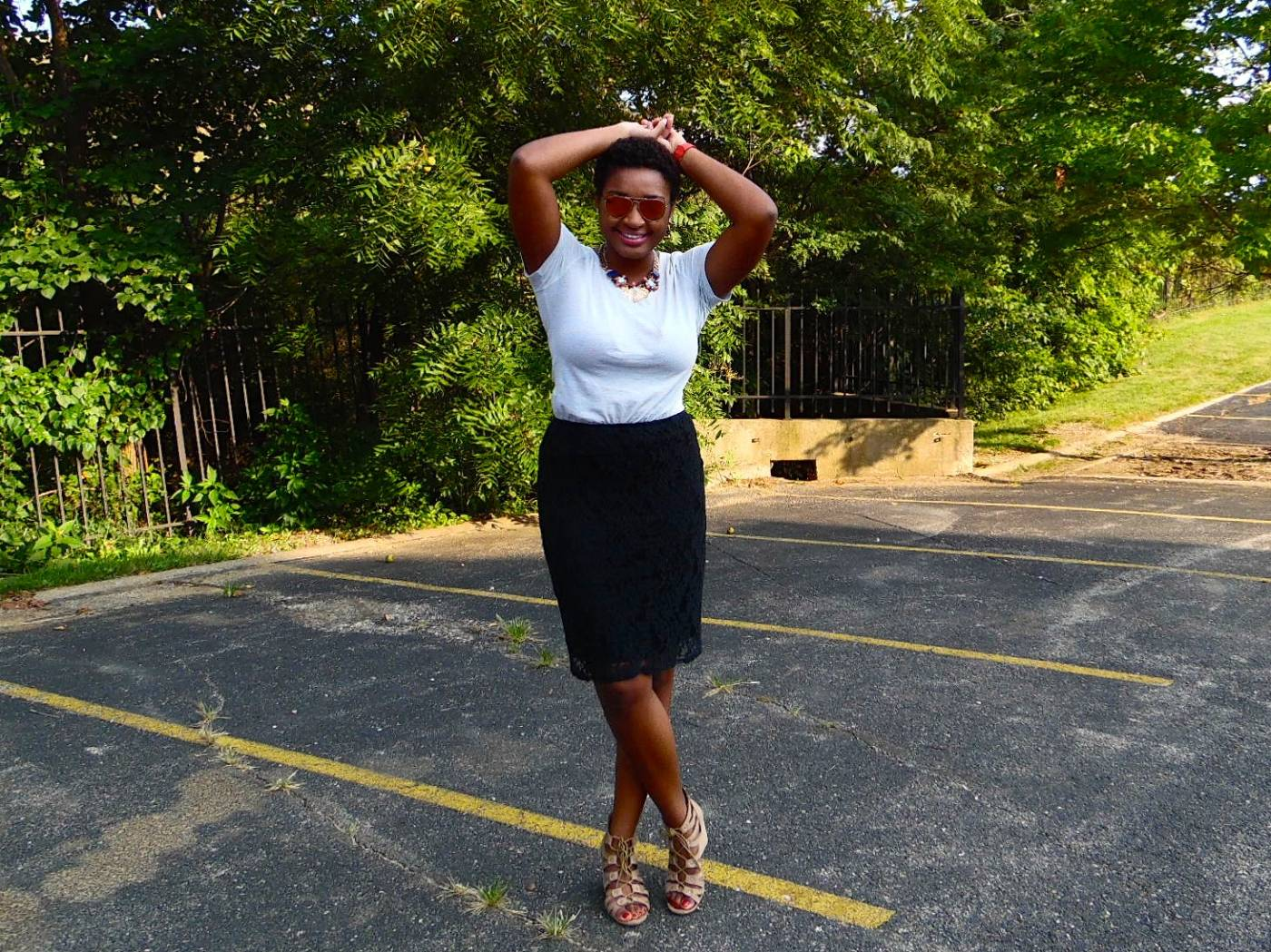 jasmine diane- T-shirt + Lace Pencil Skirt
