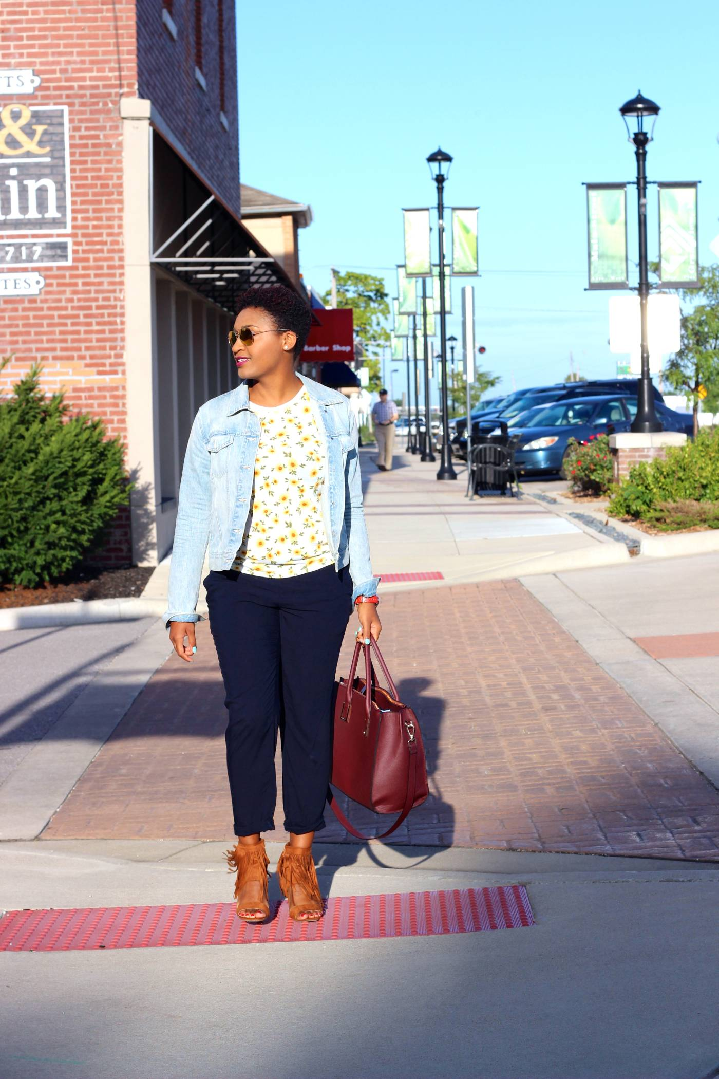 Jasmine Diane. Kansas City. Fall fashion. Flower tee, trousers and GAP denim jacket. Black blogger.