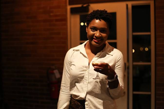 Cheers. What to do in STL by Jasmine Diane of jasminediane.com. Black bloggers. Bloggers of color. St. Louis, Missouri. Midwest bloggers, blazer, jeans, causal wear, what to wear, the arch.