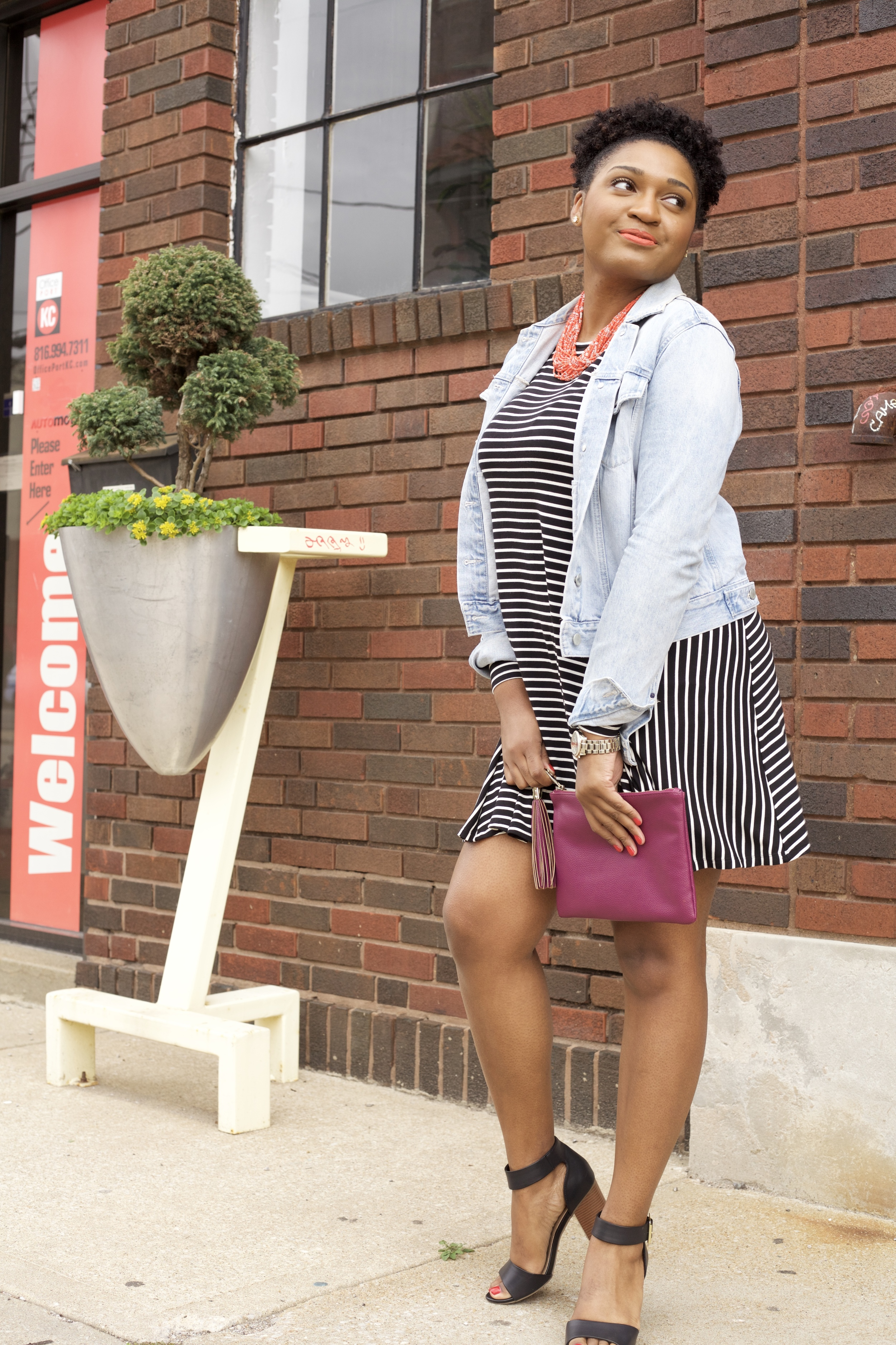 Wearing gap like a boss by black fashion blogger jasmine cooper of jasminediane.com.