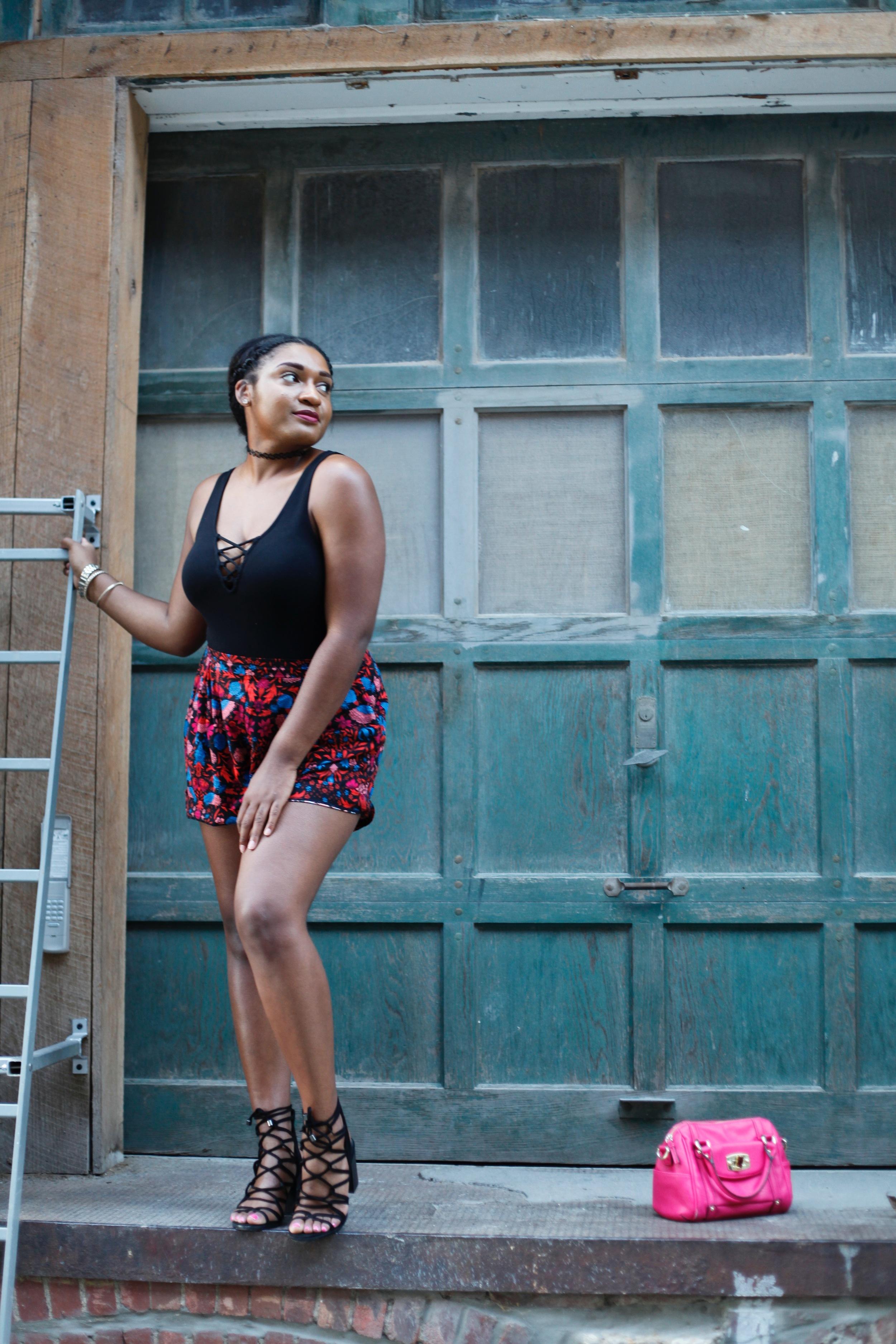 Choker + Black Bodysuit + Printed Shorts by style blogger, jasmine cooper, of jasminediane.com. Kansas City blogger. Black Blogger.