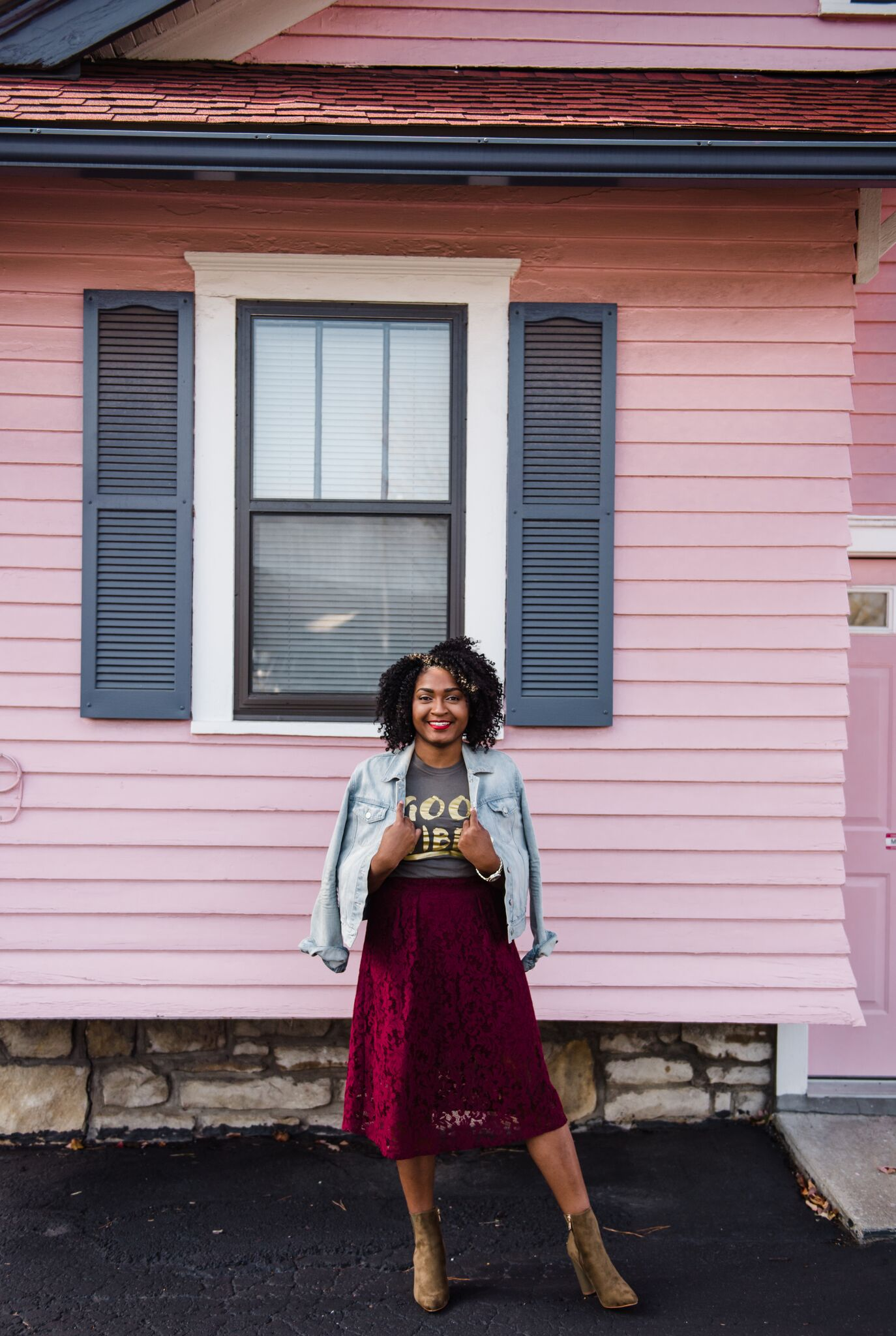How to Style an Olive Good Vibes Tee and a lace skirt from forever21 by jasmine diane of kansas city.