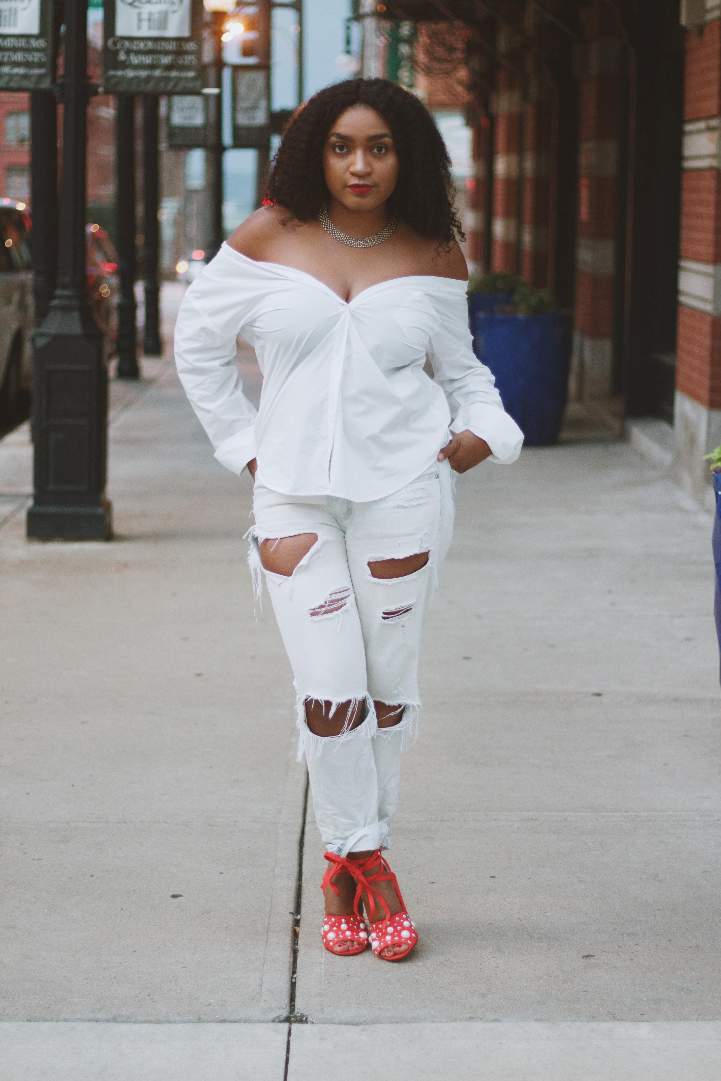Big hair and block heels on fashion blogger Jasmine Diane.