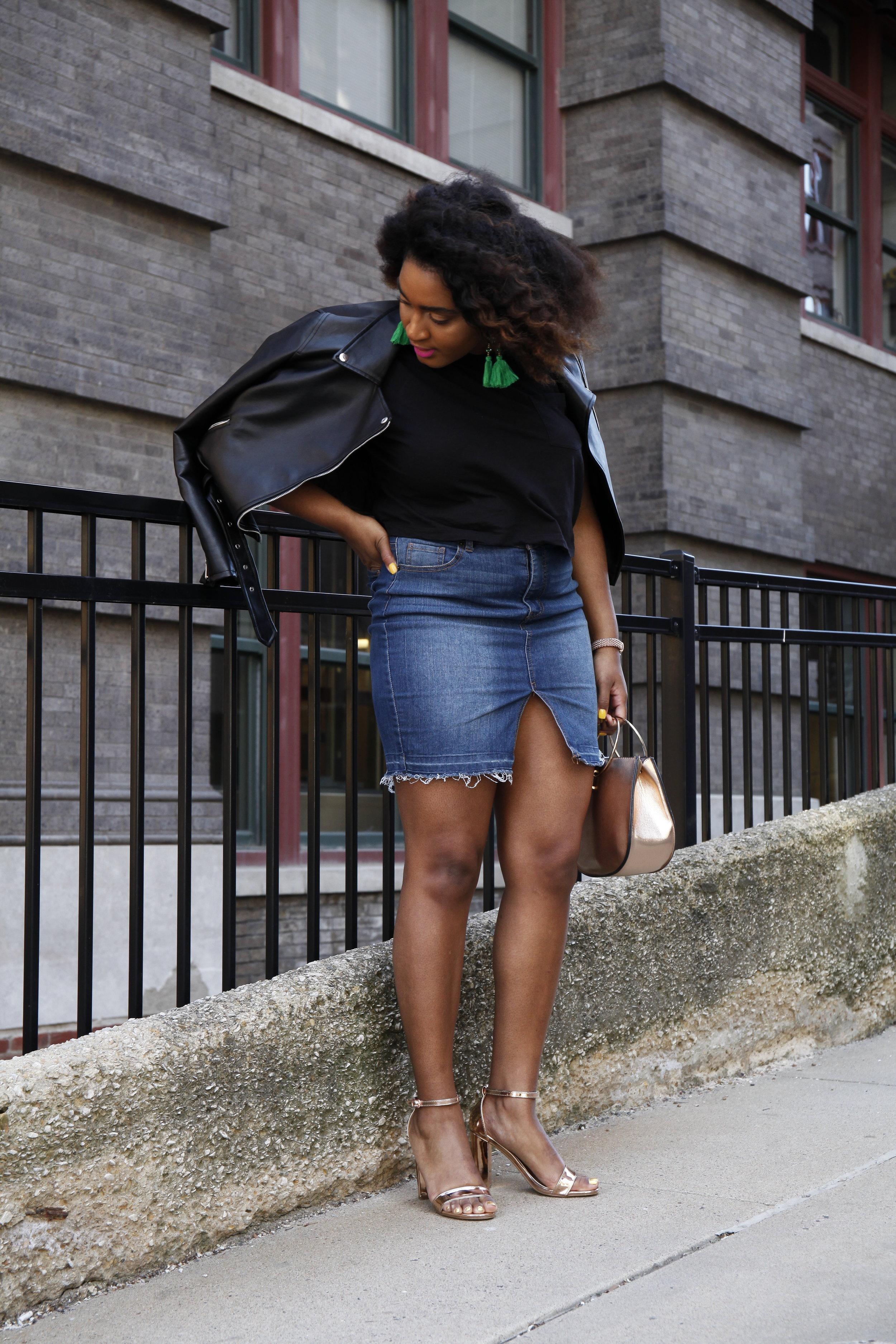 Kansas City fashion blogger jasmine cooper in denim skirt.JPG