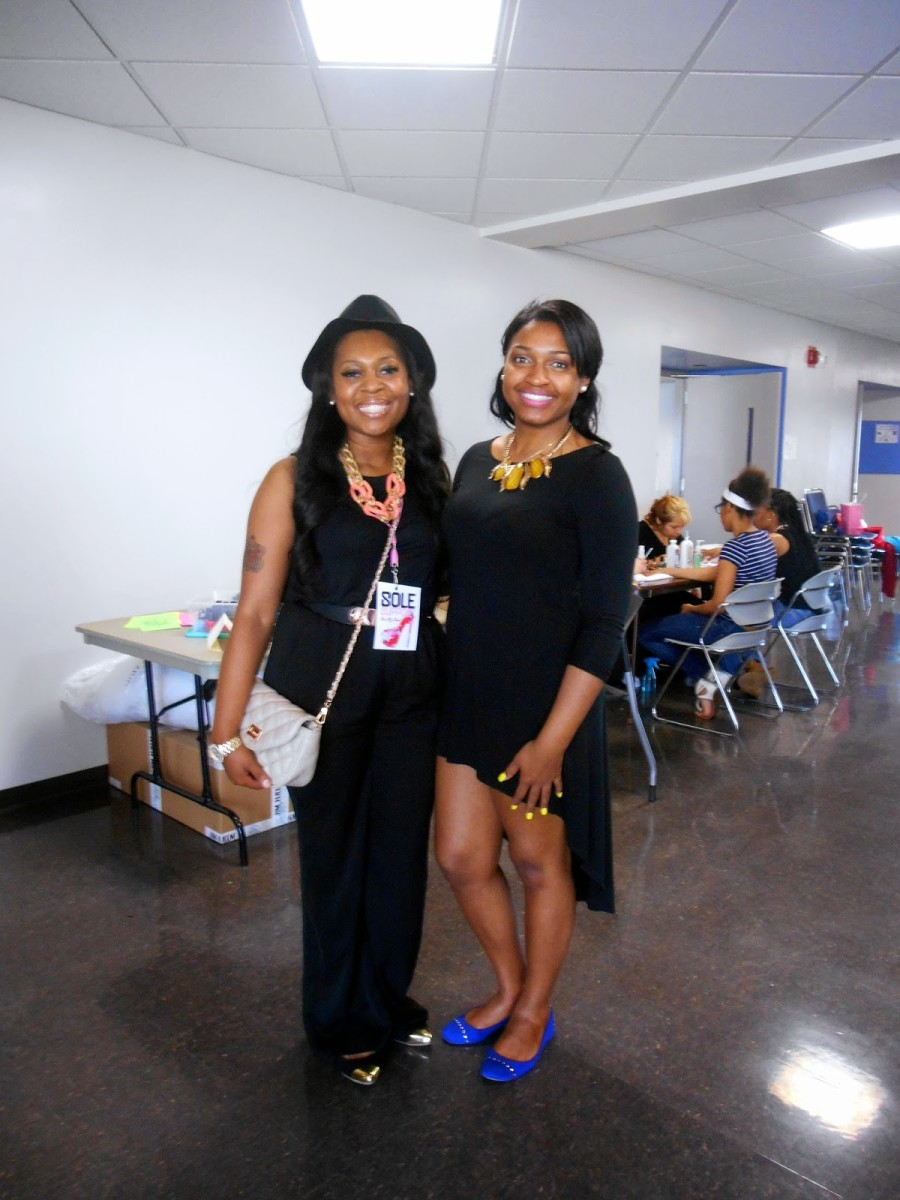 ciyanna grant and jasmine diane with shoe me shoes.jpg