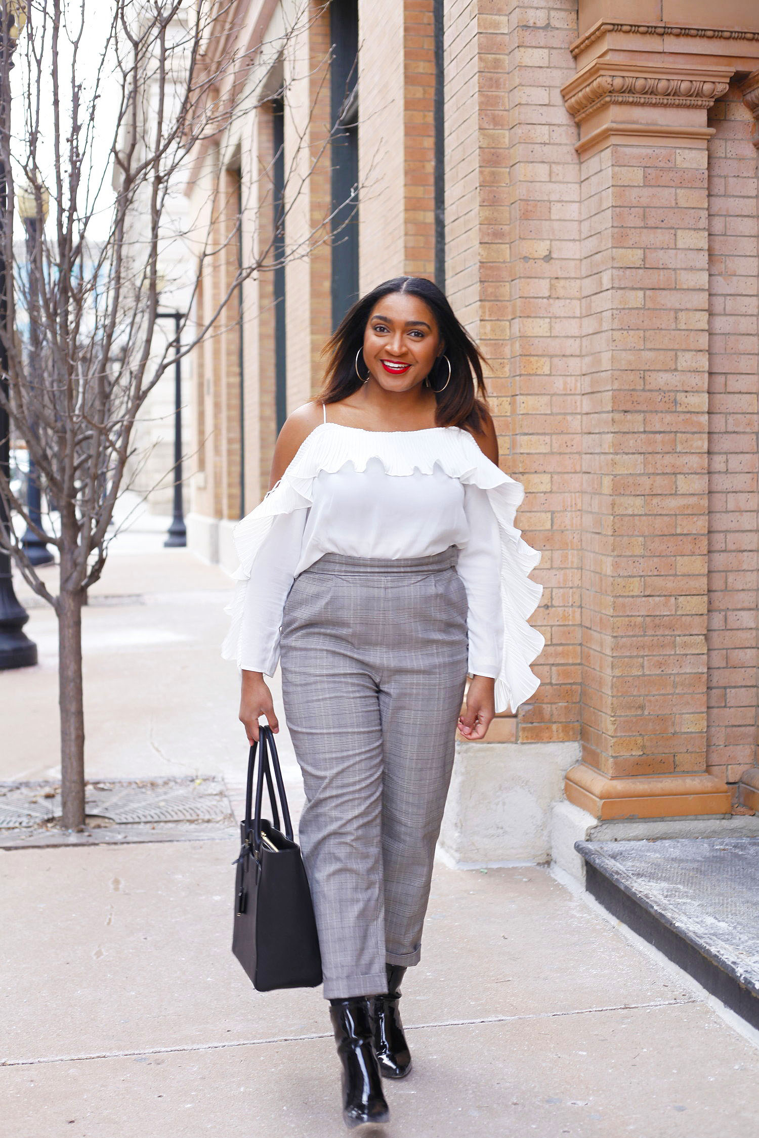How to style high waisted pants