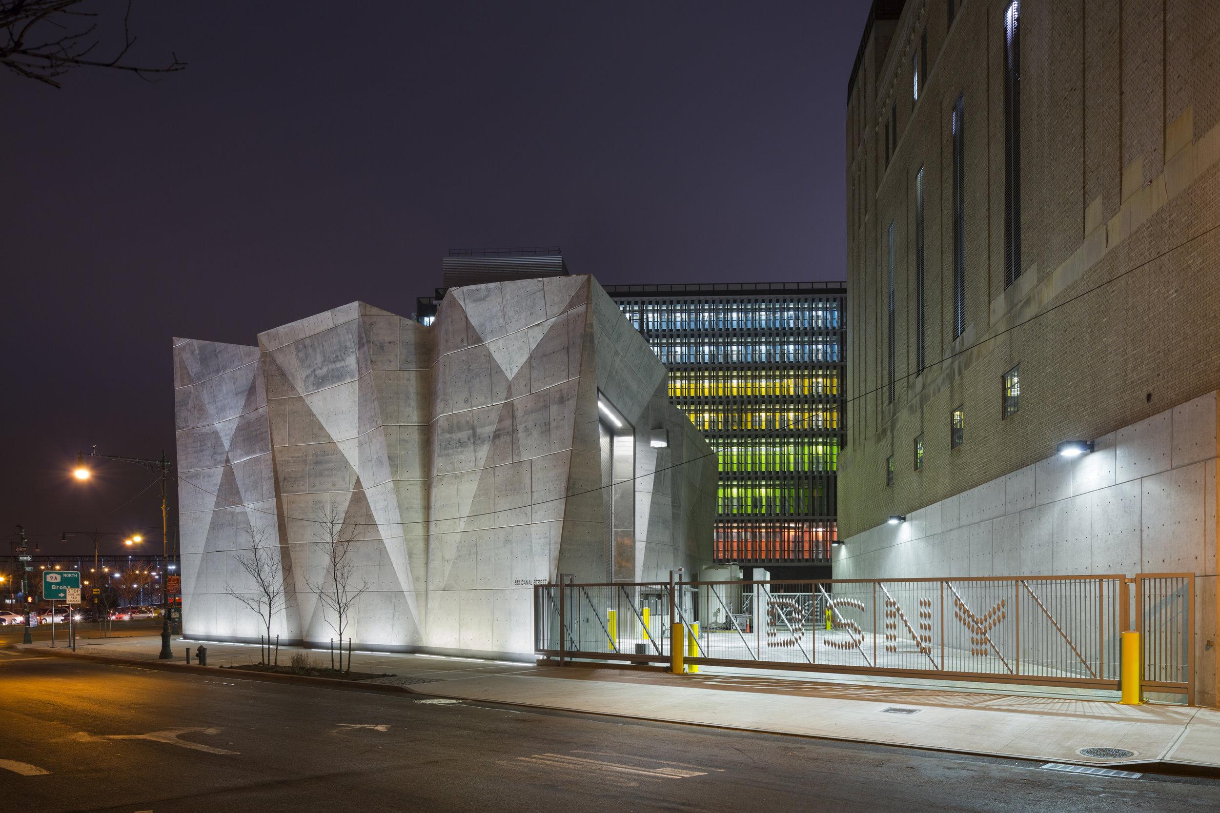 DSNY, Parking Garage and Salt Shed, New York NY, Dattner Architects with WXY Studio. © Albert Vecerka/Esto