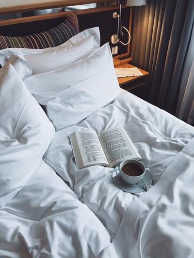 hotel bedroom5.jpg