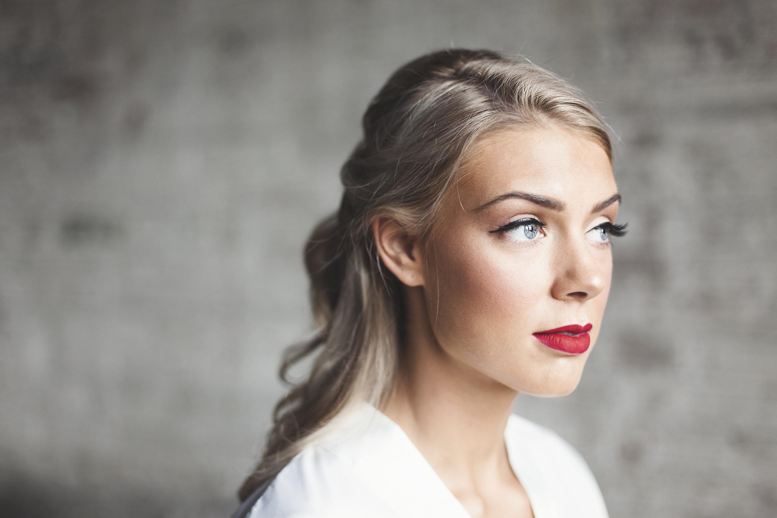 Make-Up -