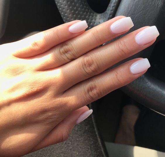 Summer White Nails -