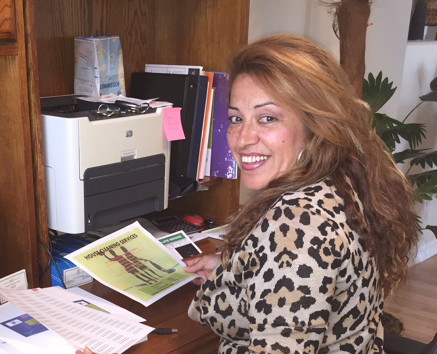 LUZ MONTESDEOCA  ,  Office/Field-Manager