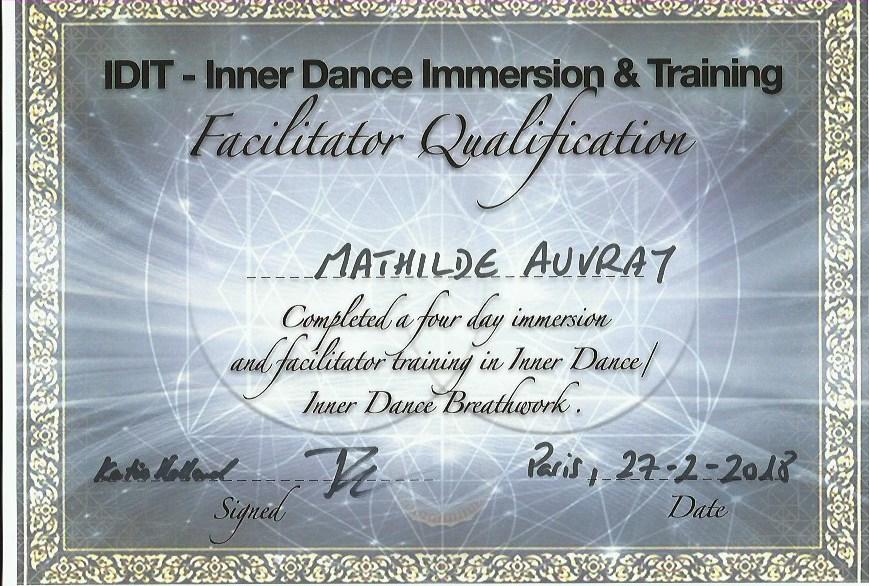 Formation à la facilitation de sessions     d'Inner Dance - Formée en 2018 par Tom Woodfin et Katie Holland. Formation à l'animation de sessions d'Inner Dance et à l'utilisation d'exercices de respiration favorisant les états de conscience modifiés.