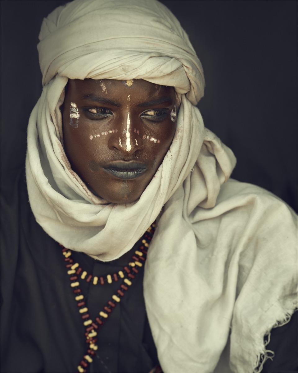 Jimmy Nelson - XXVIII 9 Wodaabe, Gerewol, Chad, 2016