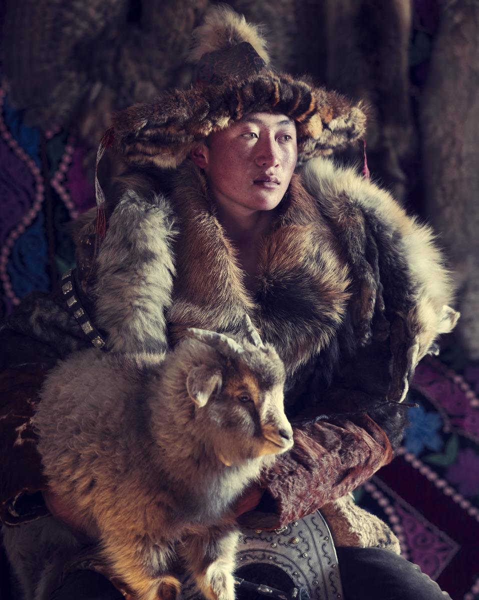 Jimmy Nelson - XXX 15 Esker Eagle hunter Sagsai, Bayan Ulgii Province,  Mongolia 2017