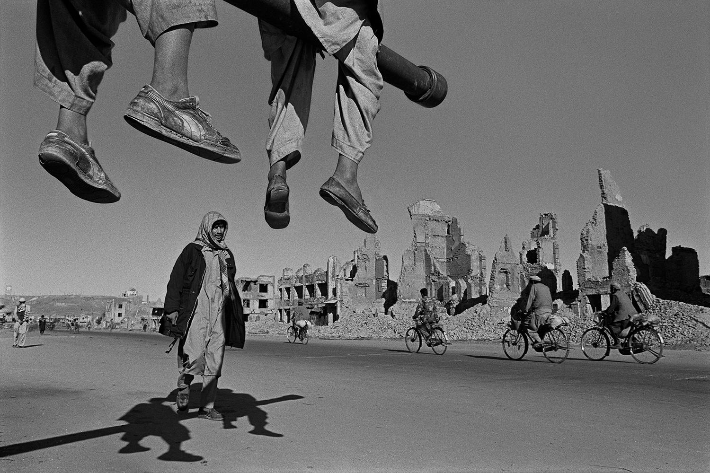 James Nachtwey - Afghanistan, Kabul, 1996