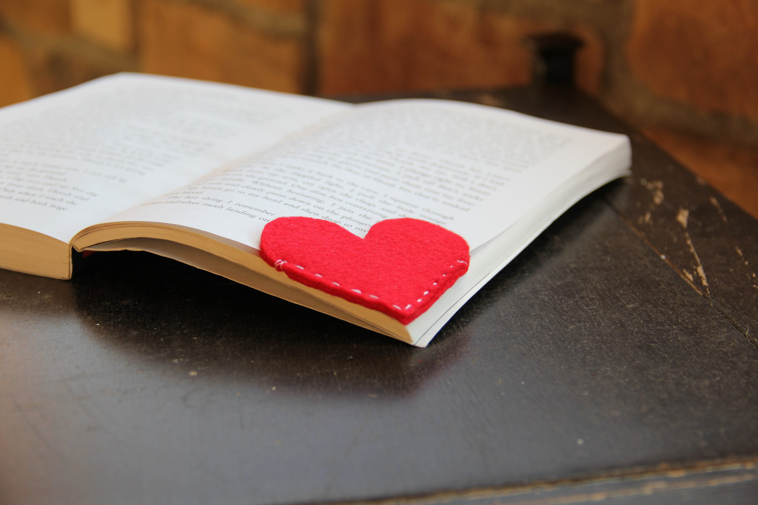 Heart Corner Bookmark with Felt