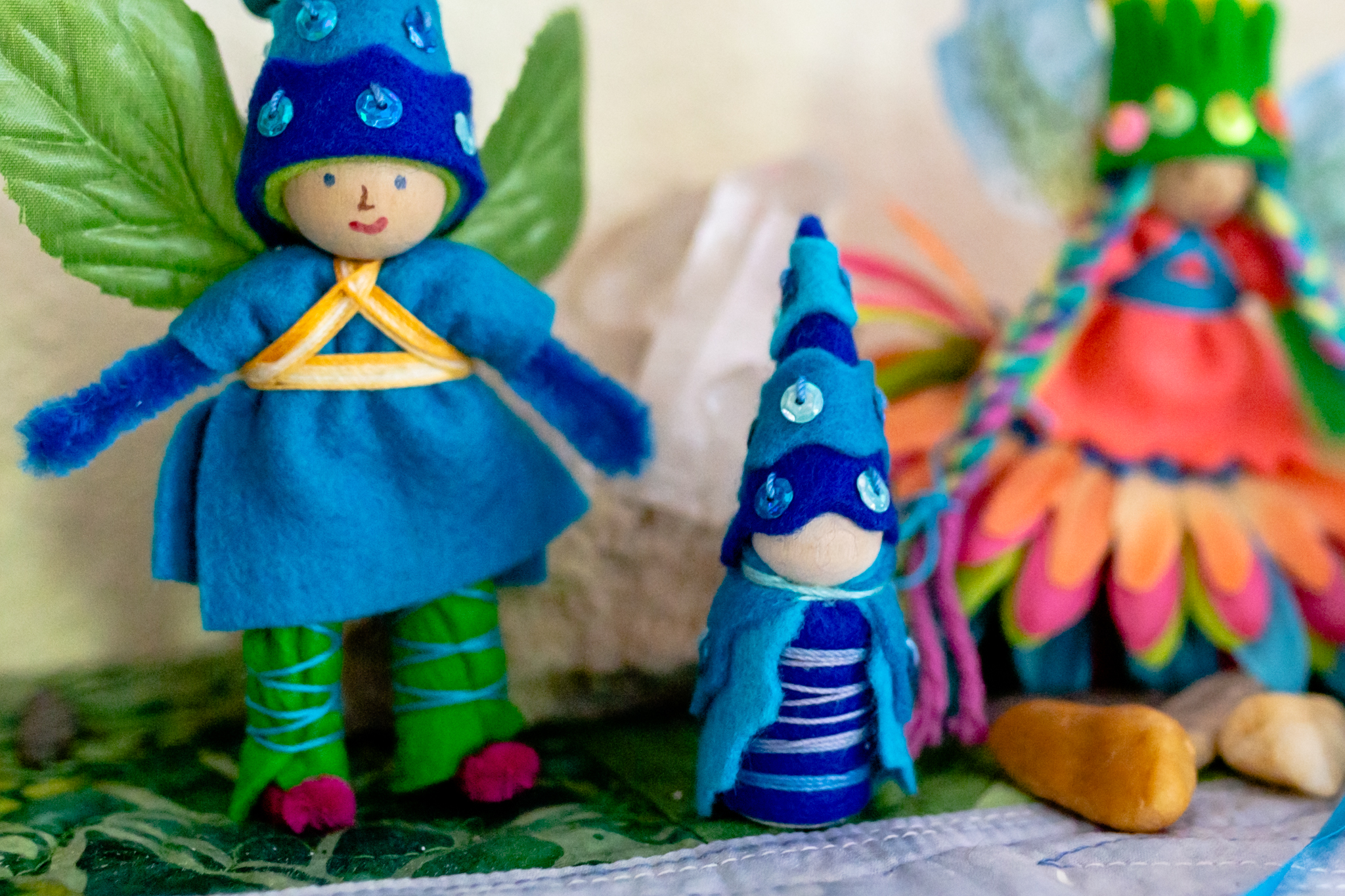 Gnome and his friends gather to celebrate the new book