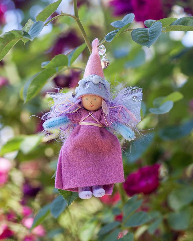 Happy Forest Fairy Friday! It's a rainy spring here and the fairies are hoping to see sun this weekend. They have spring parties planned 💕🌿 #forestfairycrafts #makersworkshop #creativelifehappylife #createmakeshare #feelingfolksy #freestylecreativeliving #handmadewithlove #thatsdarling #sgiew #fairycraft #fairydoll #craftingwithkids #kindredmoments #thehandmadeparade #handmadewithlove #forestfairyfriday