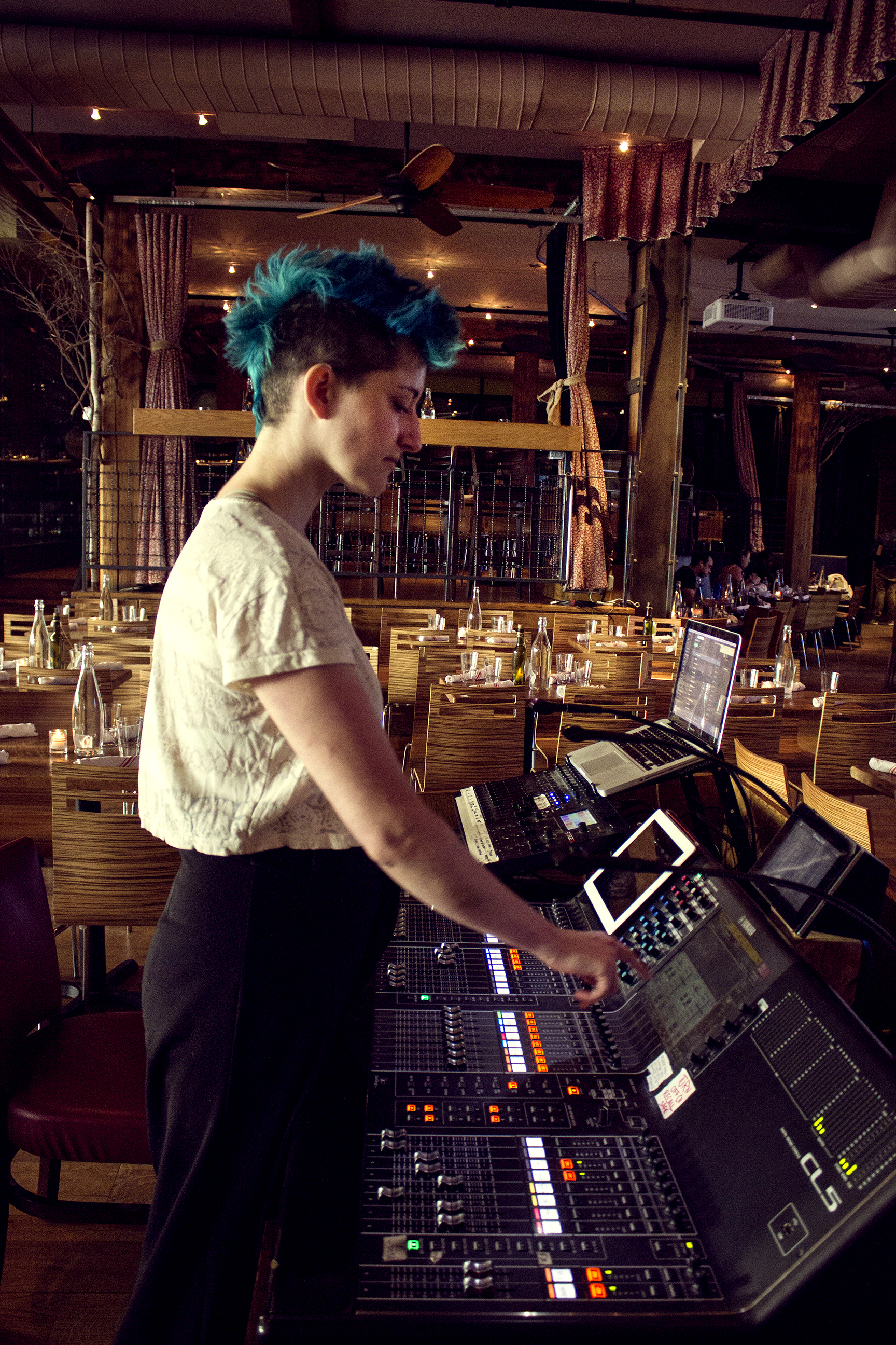 Alexandria Woods: NYC City Winery Sound Engineer