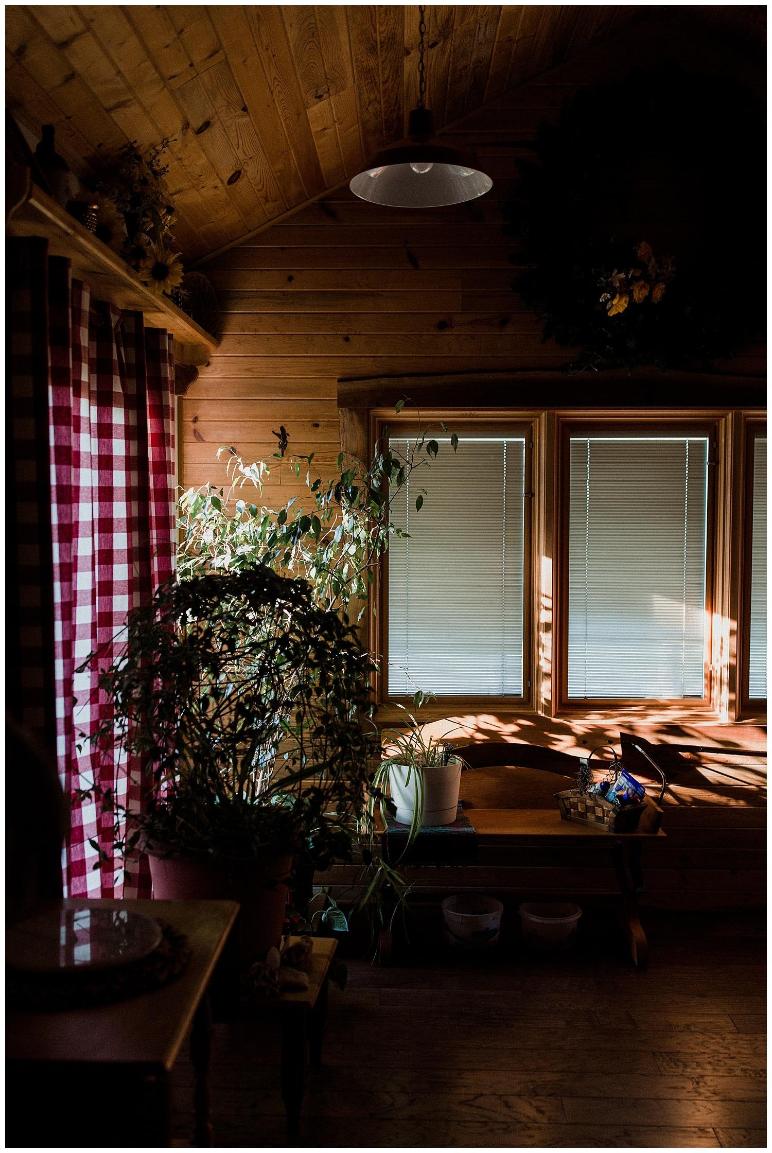 nebraska_cabin_engagement_session_wedding_photographer_adventure_0027.jpg