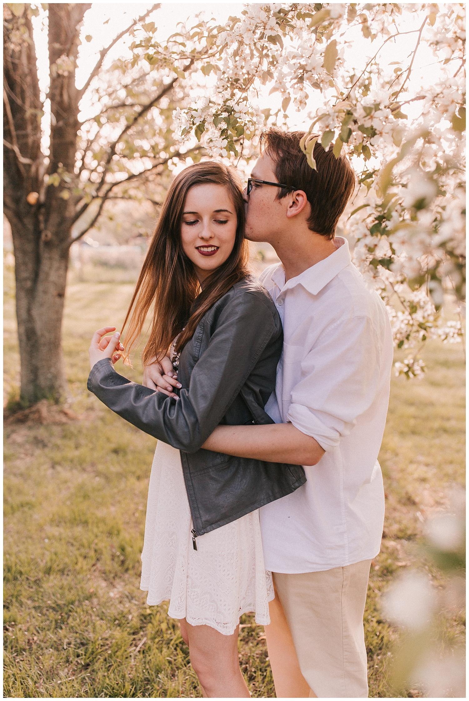 nebraska_cabin_engagement_session_wedding_photographer_adventure_0045.jpg
