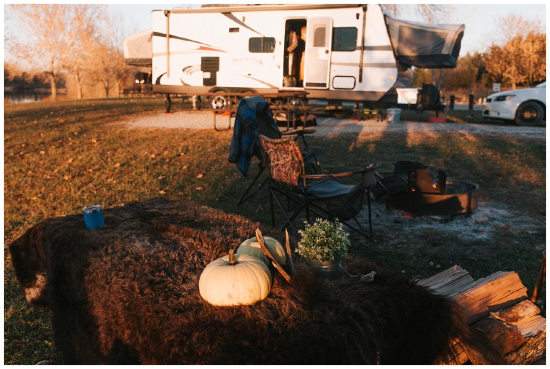 cozy_campfire_campsite_engagement_anniversary_session_nebraska_photographer_haley_chicoine_adventureous_wedding_0012.jpg