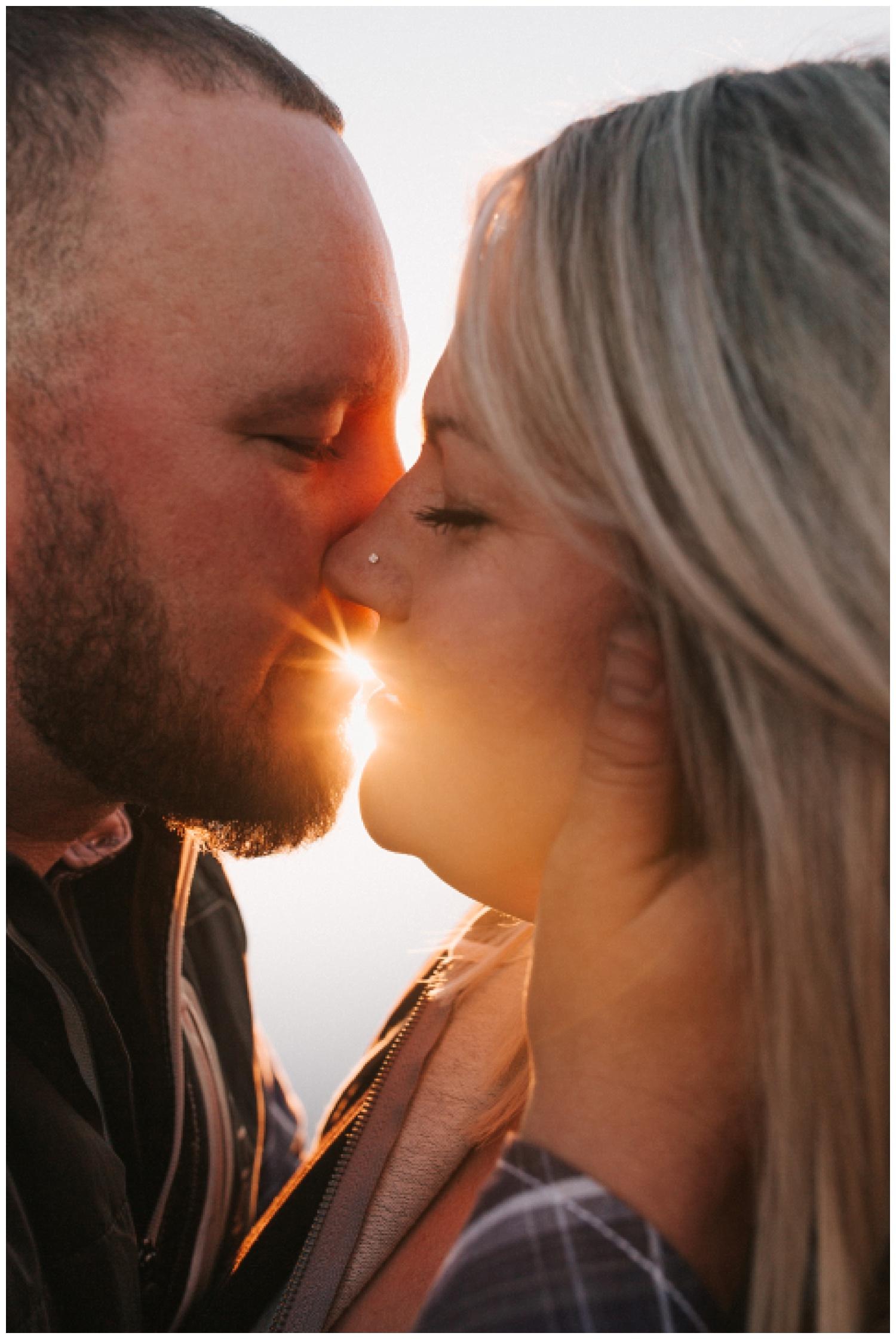 cozy_campfire_campsite_engagement_anniversary_session_nebraska_photographer_haley_chicoine_adventureous_wedding_0016.jpg