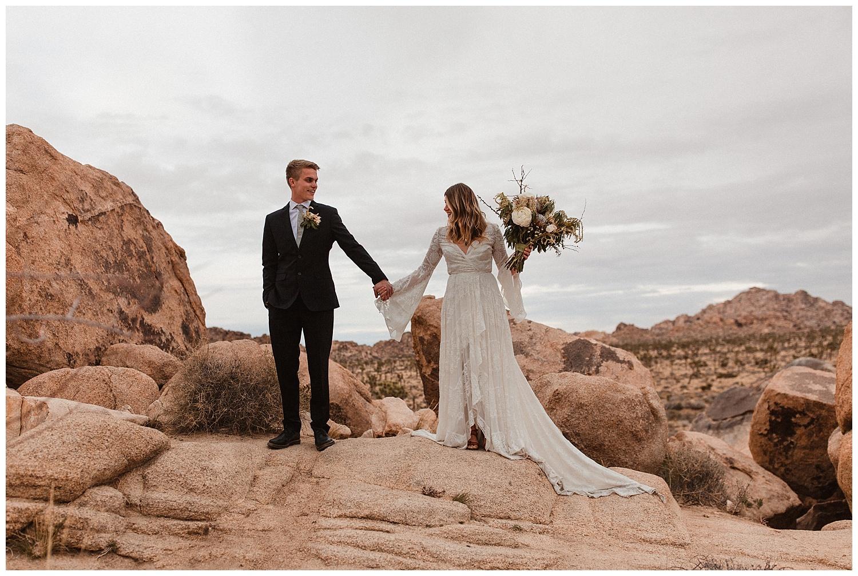 romantic_elopement_joshua_tree_adventurous_wedding_photographer_romantic_intimate_wedding_0001.jpg