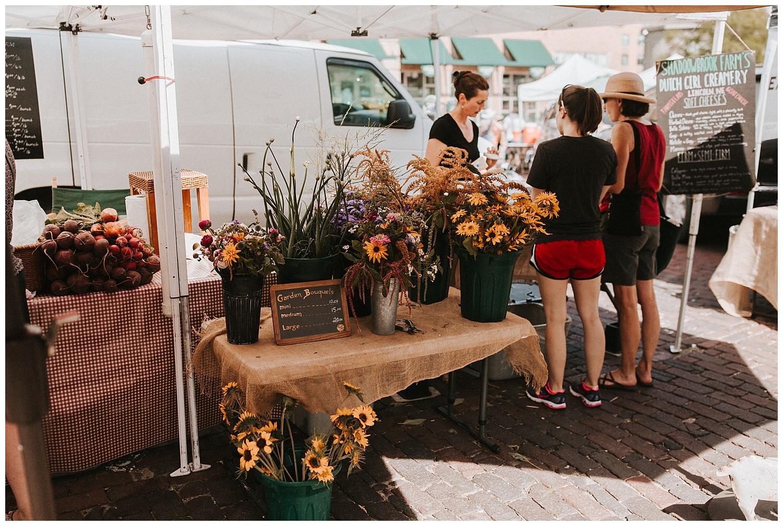 adventurous_photographer_farmers_market_engagement_session_love_midwest_travel_destination_photographer_haley_chicoine_0017.jpg