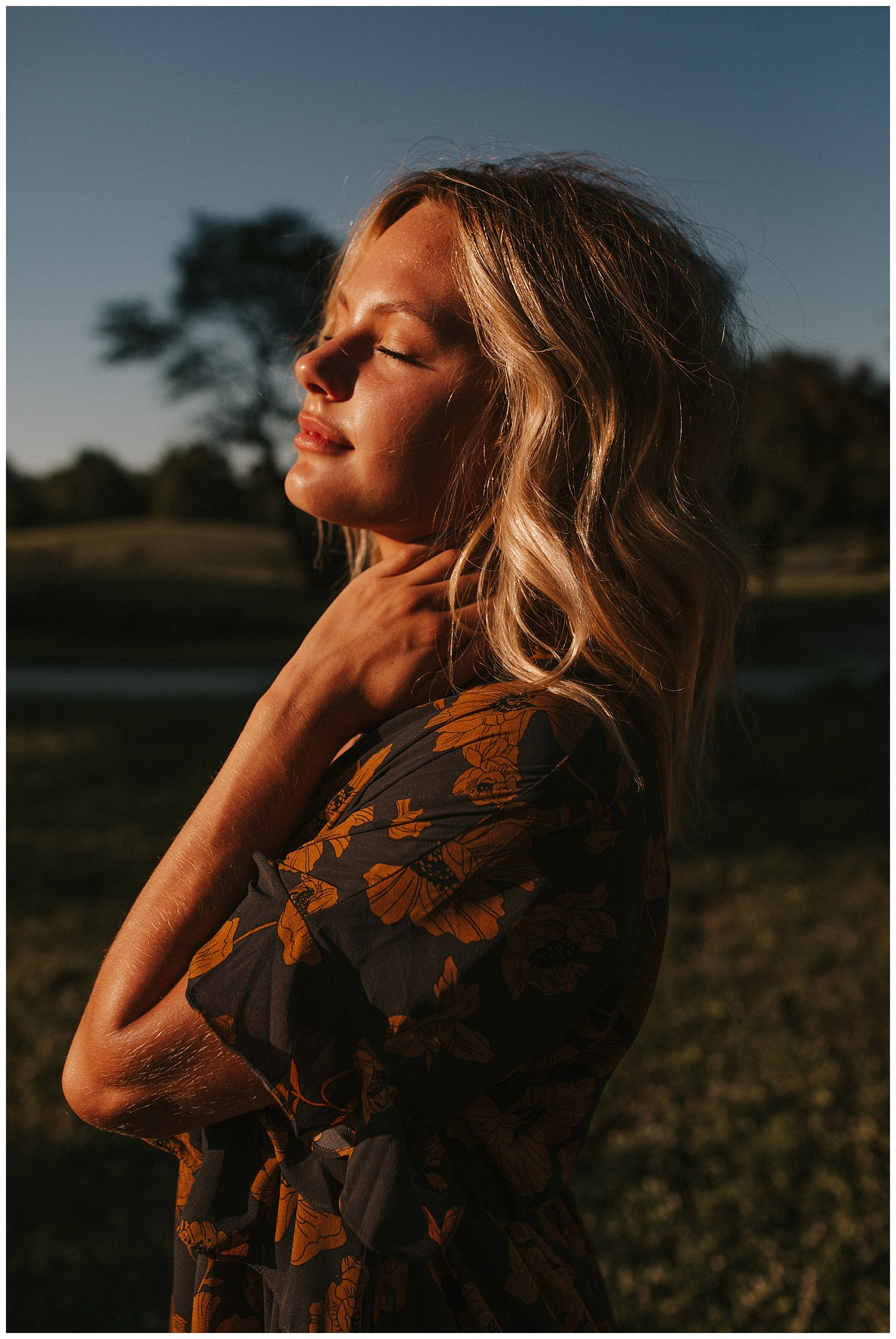 beautiful_senior_portraits_lincoln_nebraska_photographer_sunset_inspiration_outfits_haleychicoine_0022.jpg
