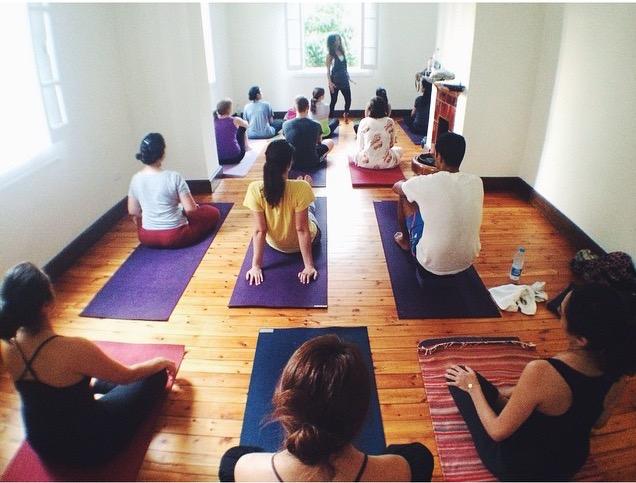 YogaClass1.jpg